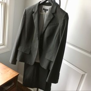 Perfect Condition Ann Taylor Gray Suit - Size 14